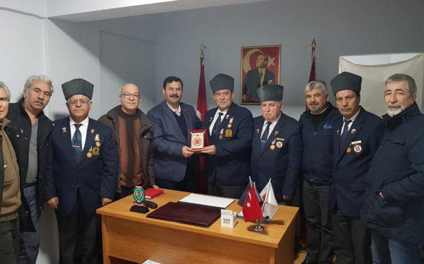 Muharip Gaziler Derneği Sakarya Şube Başkanı Sayın Erol Demir ve Yönetimi derneğimizi ziyaret ettiler.